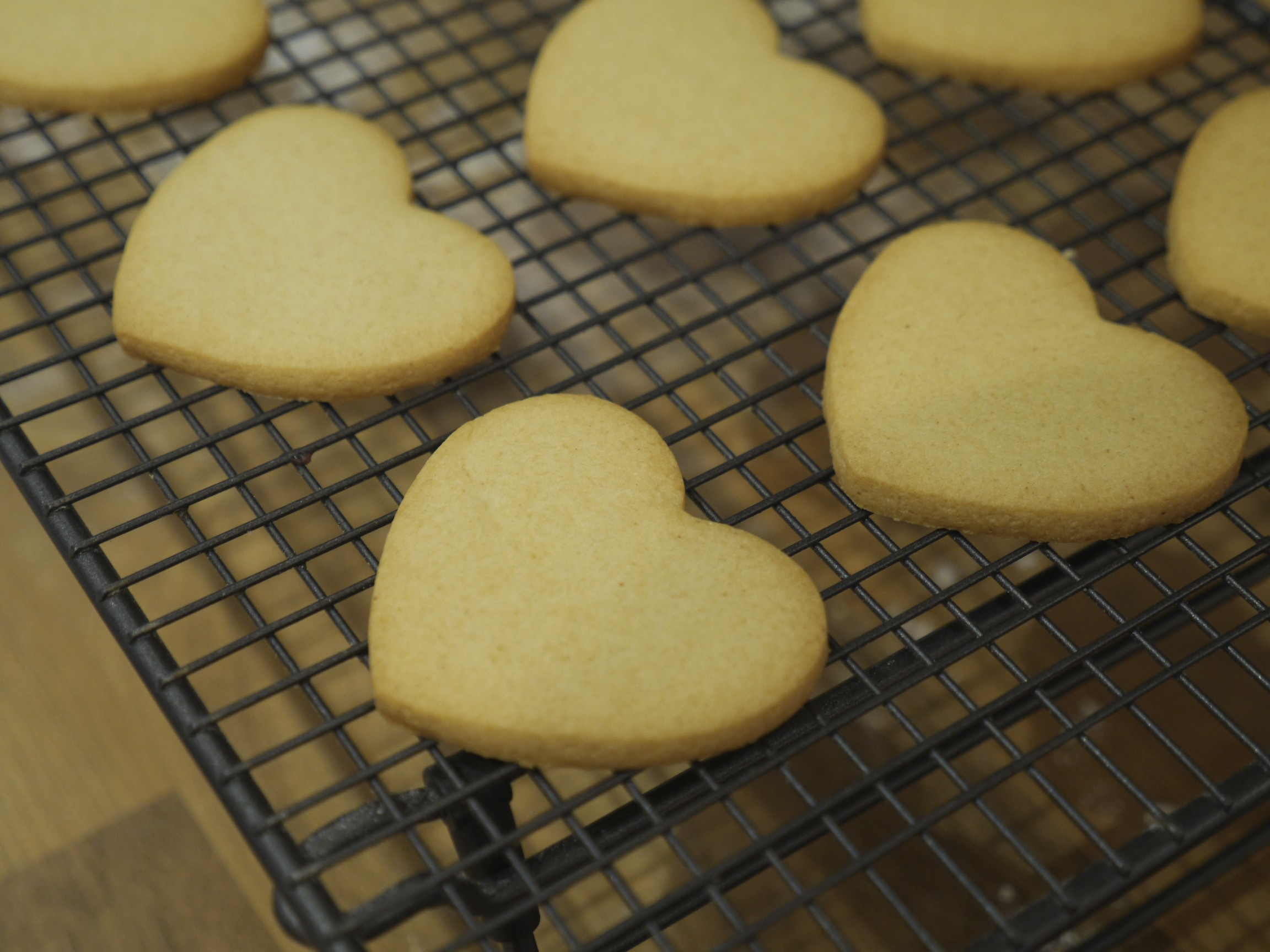 My Mum's Honey Shortbread Hearts