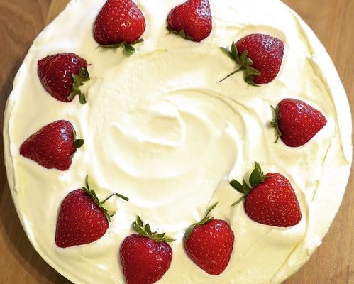Wimbledon No-Bake Cheesecake (Strawberries & Cream)