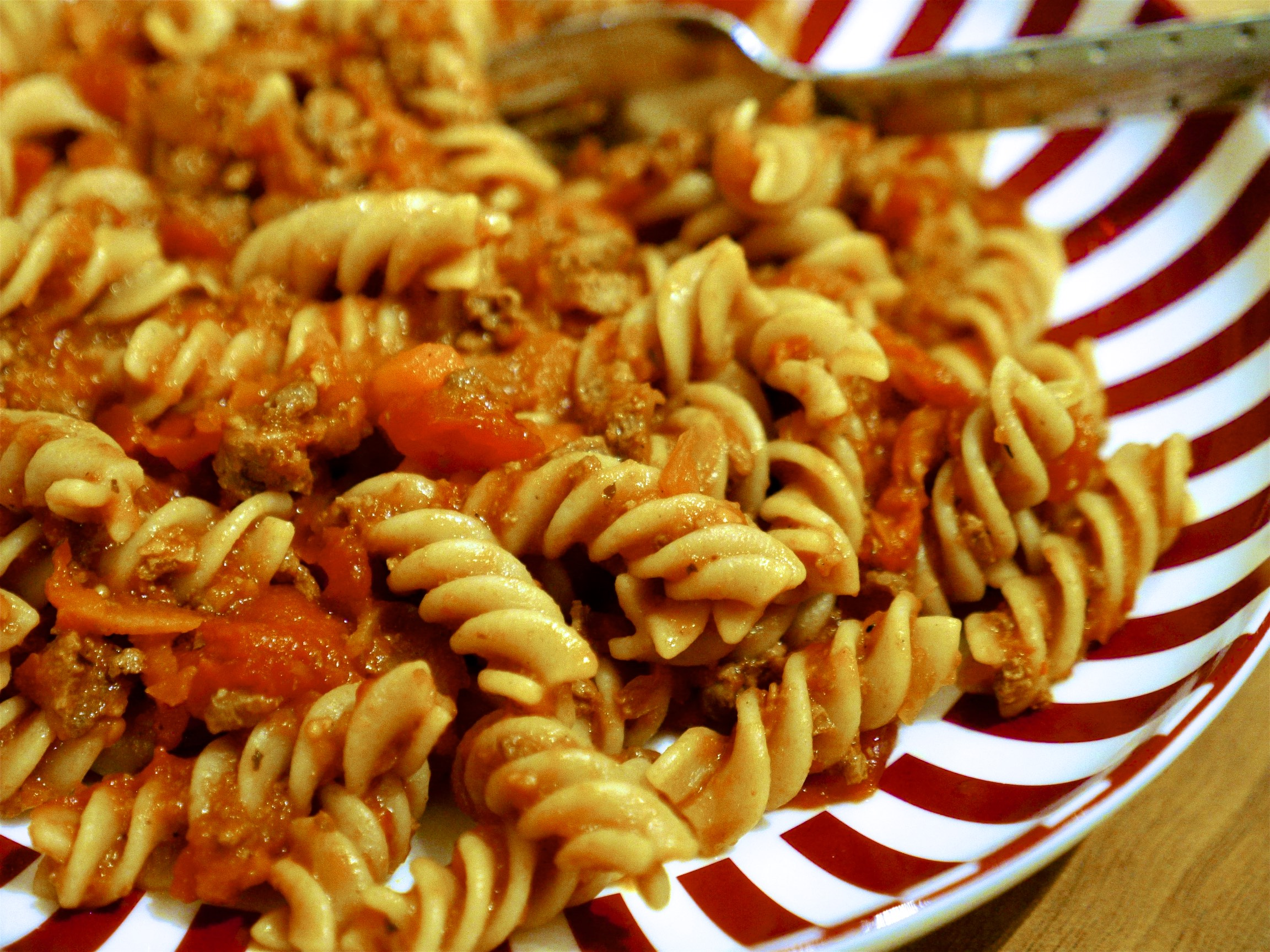 Wholewheat Fusilli Rapid Ragù – Our Favourite Speedy Supper
