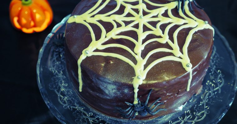 Spooky Chocolate & Ginger Hallowe'en Cake
